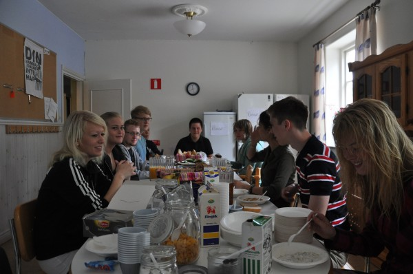 Frukost på Roggeskolan.