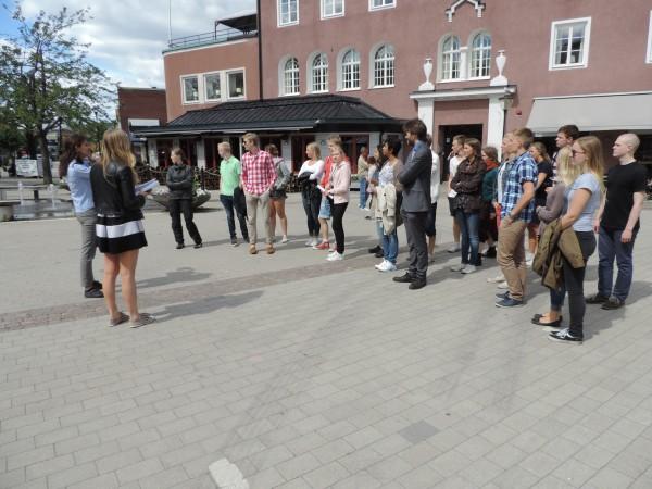 Rundvandringen med tipspromenad kring Strängnäs och Europaskolan. Här får eleverna frågan; var i kroppen finns m. pronator quadratus?