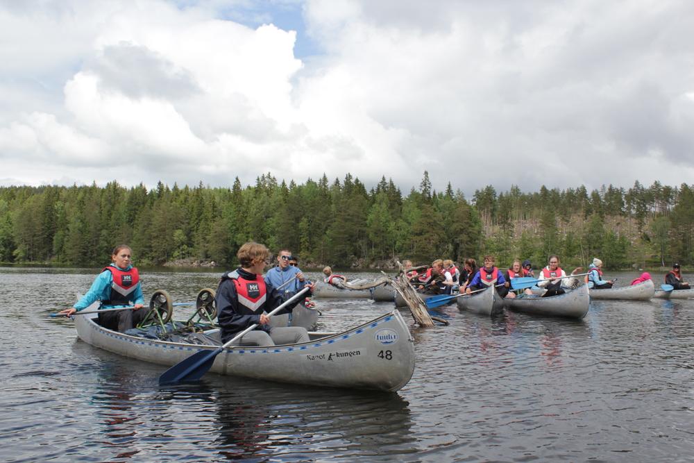 Förutom forskning står många sociala aktiviteter på schemat i sommar, bland annat åker eleverna på hajk!