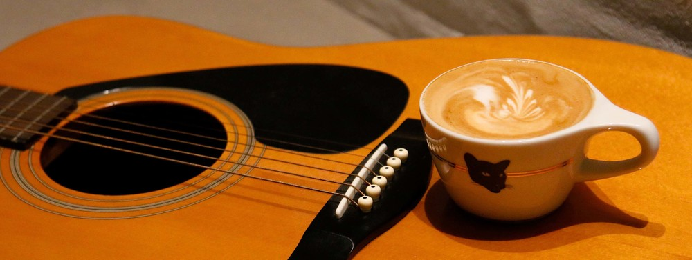 BLACK CAT - POETRY, MUSIC and COFFEE