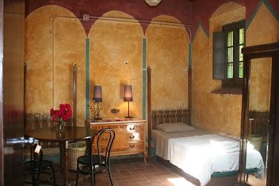 Room, Can Serrat