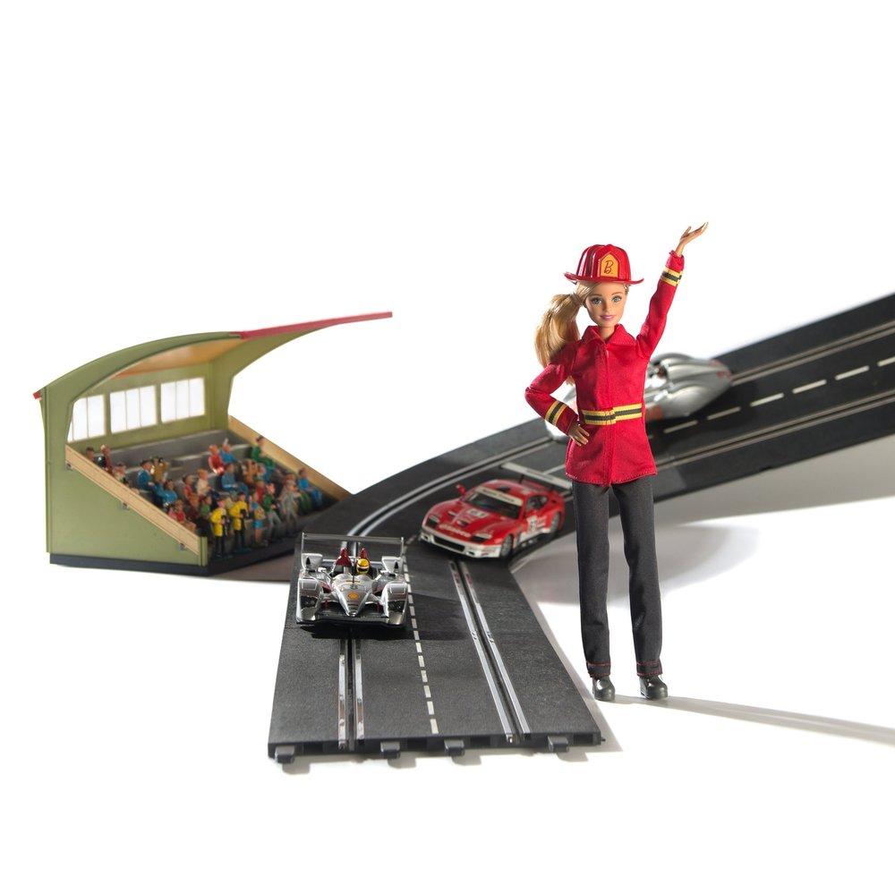 Modepuppen und Rennwagen -Traumwelten für Kinder und Sammler - 15. März bis 14. Mai 2017