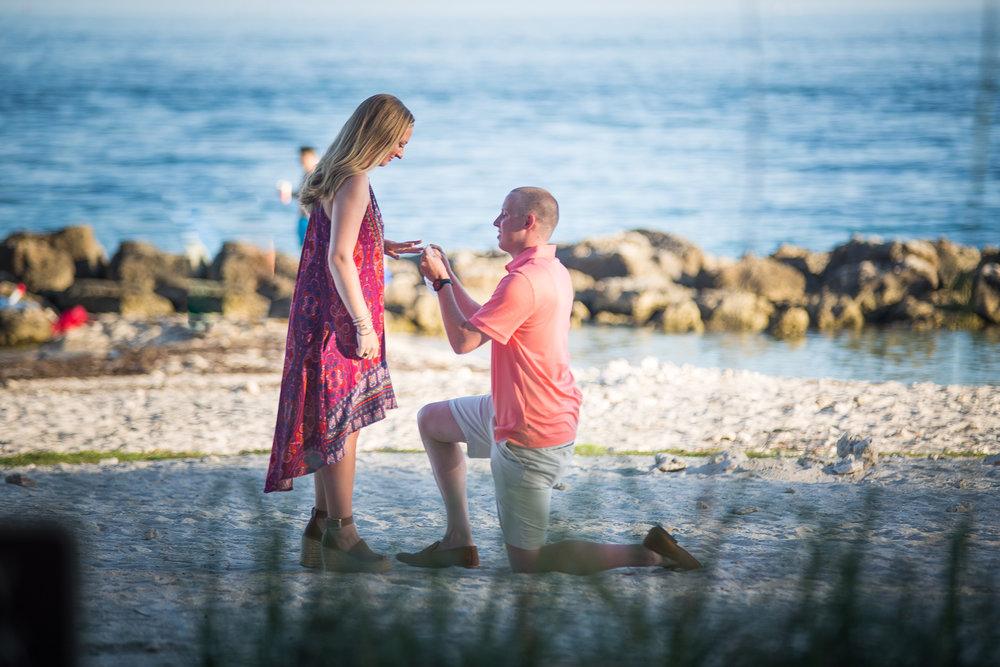 Boyfriend asks girlfriend to marry him
