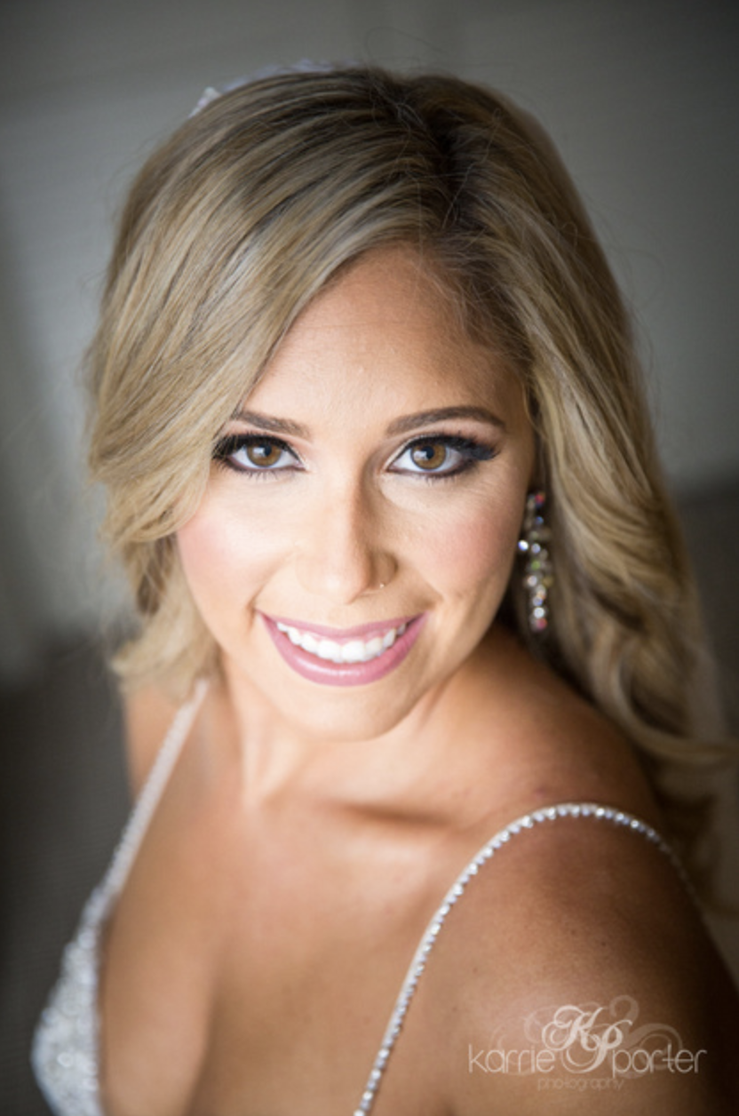 Stunning-Portrait-Of-Bride-By-Key-West-Photographer-Karrie-Porter.png