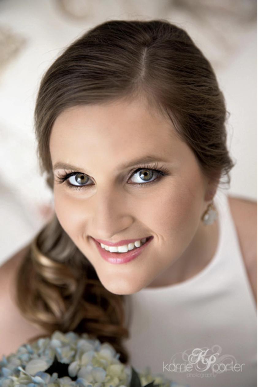 Close-Up-Portrait-of-Key-West-Bride.png