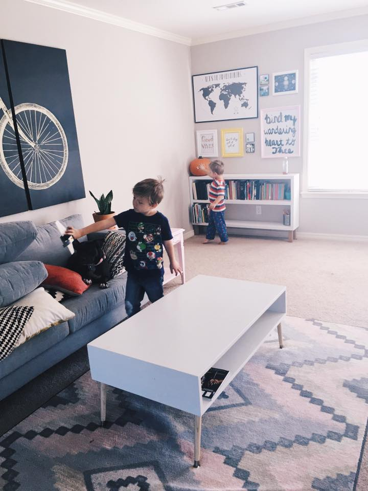 How minimalism impacts kids allie casazza for Minimalist living with kids