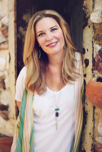 "<p><strong>EP 078</strong>LIVING LIGHT IN A WORLD OF EXCESS - WITH JEN HATMAKER <a href=""/shownotes/078"">More →</a></p>"