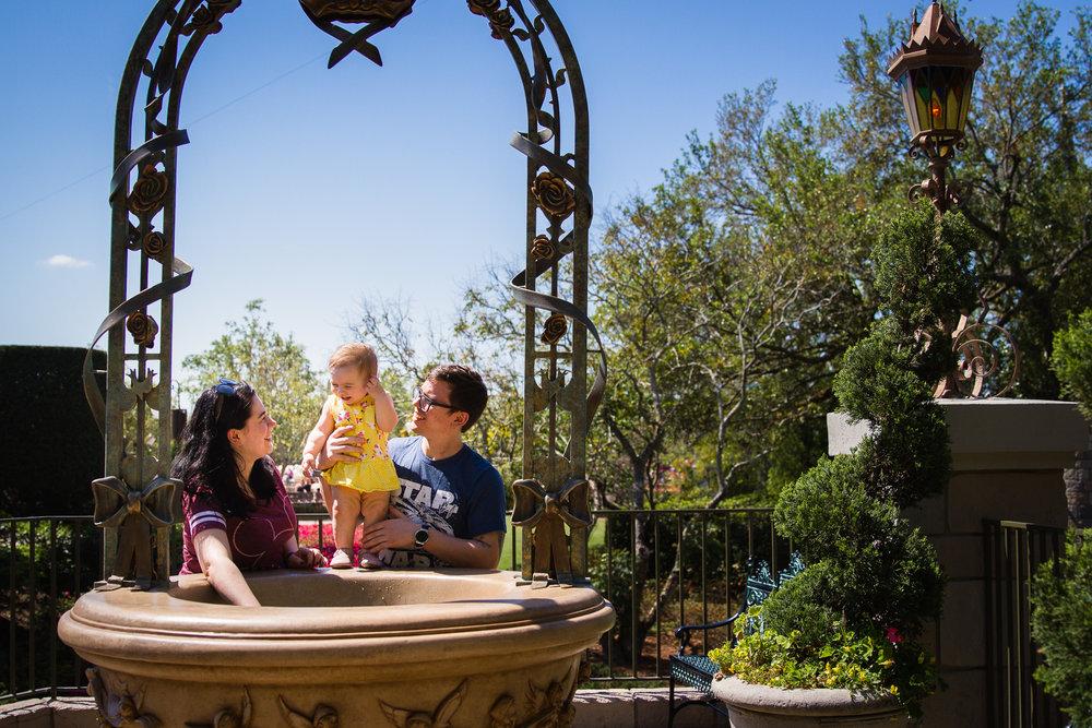 magic kingdom photography session / disney family photographer