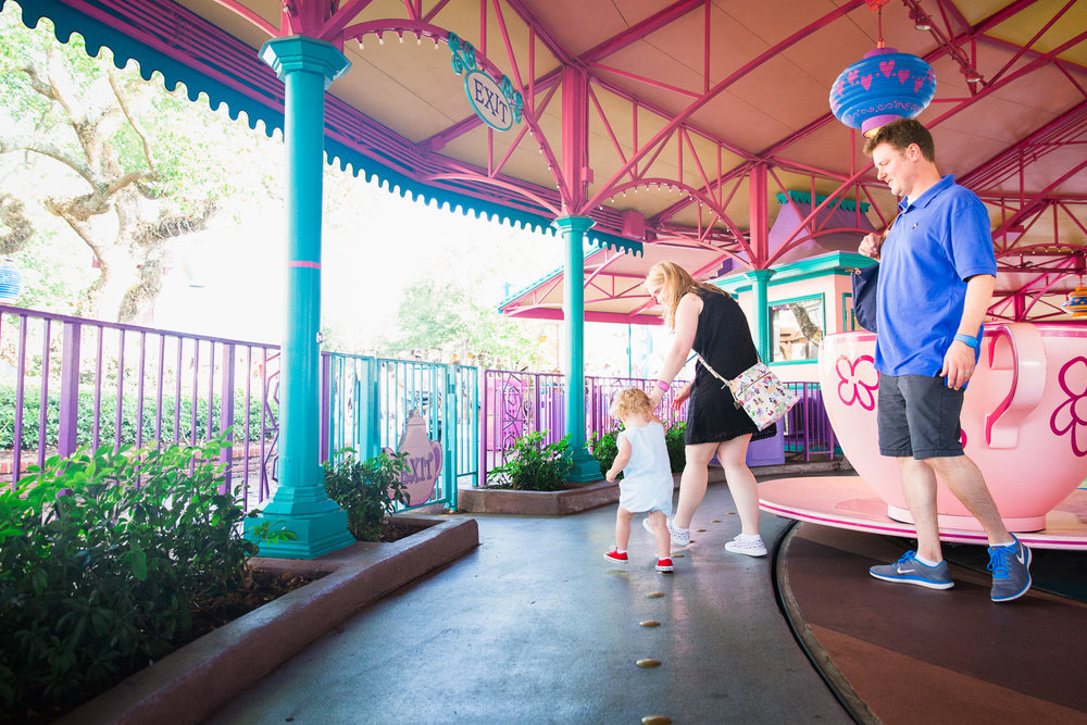 magic kingdom photographer / be our guest restaurant / disney world photographermagic kingdom photographer / disney documentary photographer / disney world photographer