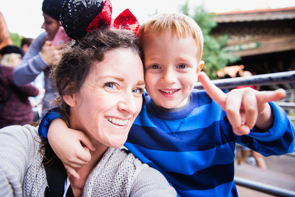 disneyland / disney family photographer / disney family photos