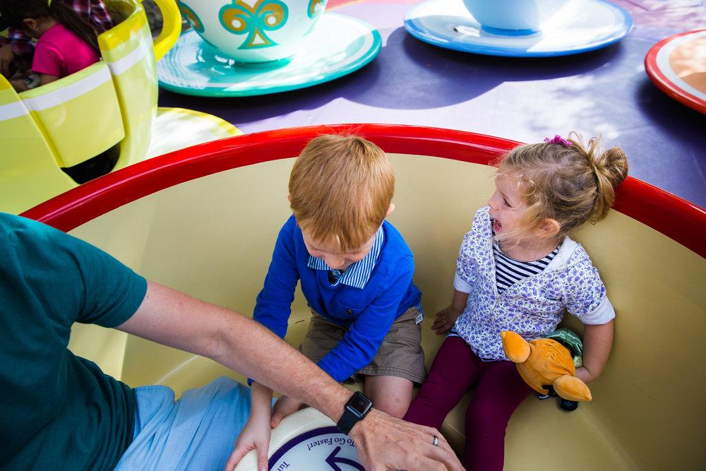 disneyland / disney family photographer / disney documentary photographer