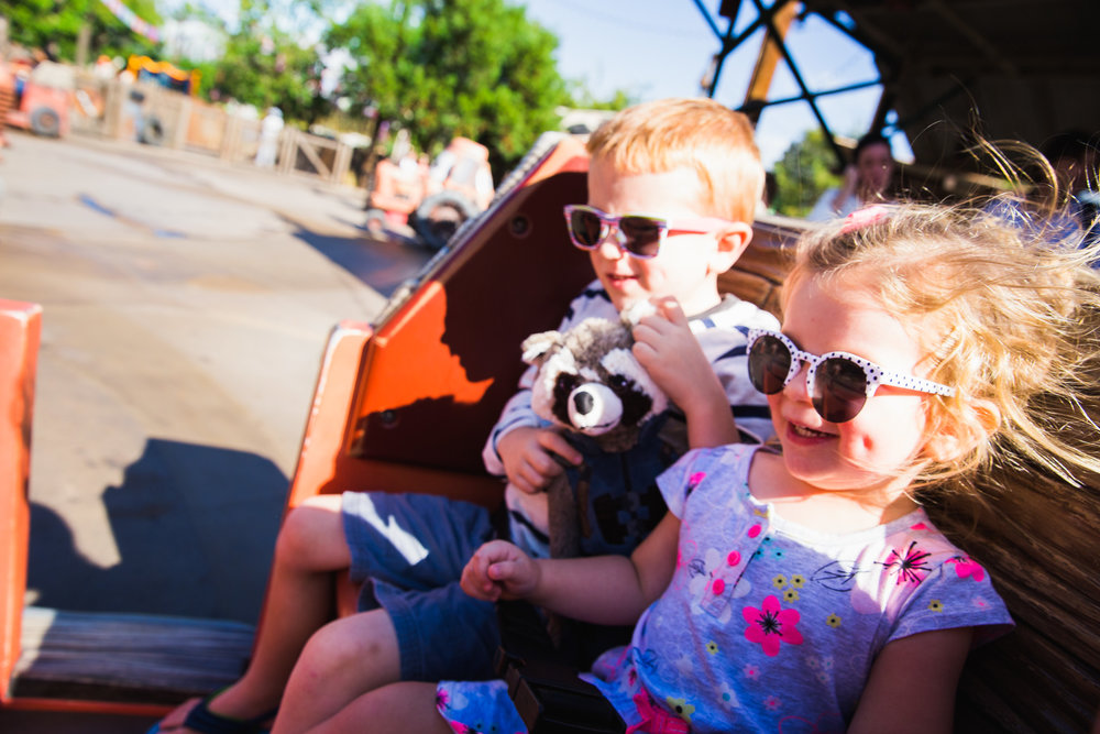 disneyland / disney family photographer / disney family session