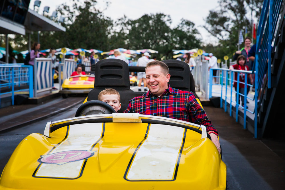 magic kingdom photographer / disney documentary photographer / disney family photographer