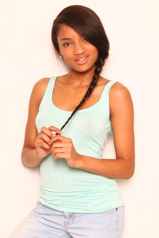 Aaliyah-013.jpg