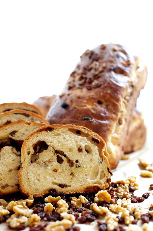 CINNAMON RAISIN   Made with unbleached wheat flour and packed with juicy raisins. Available with walnuts, too. Serve toasted with a sharp cheese.