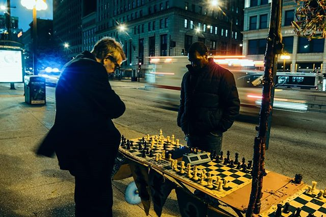 No Rush. . . . . #chess #chessmaster #chicagophotographer #instagram,, #windycity #instatravel #streetchess #chicagostreets #siren #chill #nightphotography #longexposure #14mm #rokinon #cameraraw #raw #underexposure #canon #lowlight #streetlight #blacks #vs #whites