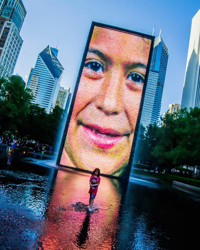 Walking on water. . . . . . #milleniumpark #summerday #water #bluesky #screen #bigscreen #crownfountain #theloop #jaumeplensa #streetphotography #park #chicago #ilinois #chicagogram #chicagogrammers  #instachicago #sculpture #art #interactiveart @visit.chicago @chicago #shootraw