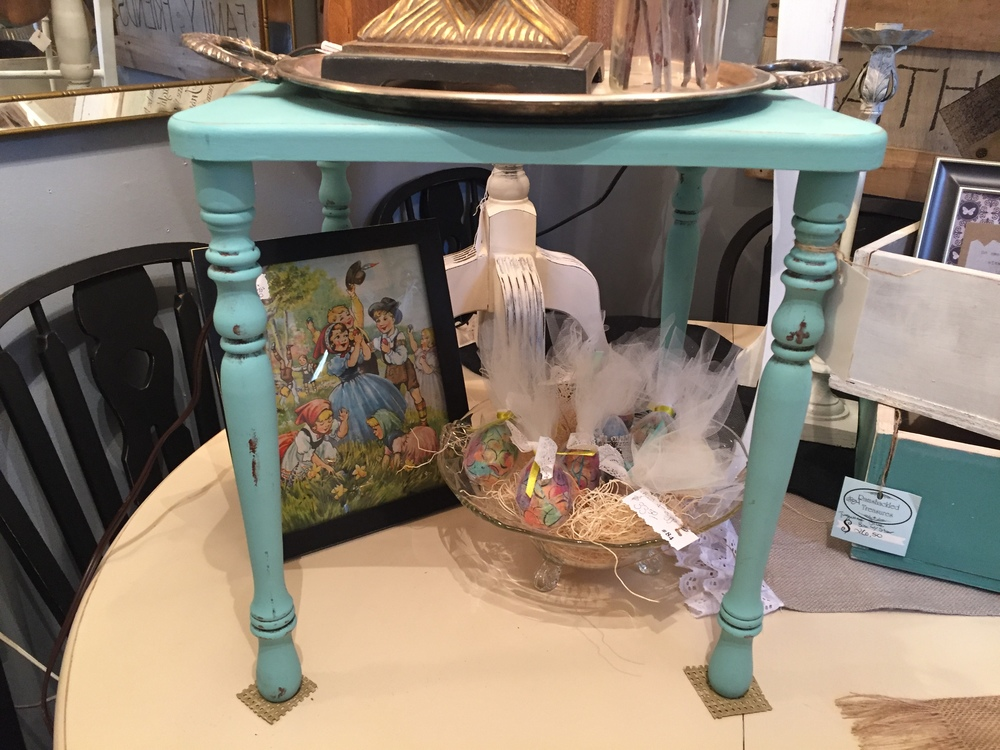 7. All about those Blues! We need to write a separate post soon about the hot colors of 2016 because they are seriously so yummy!! This teal end table is a great example spring's color trends.