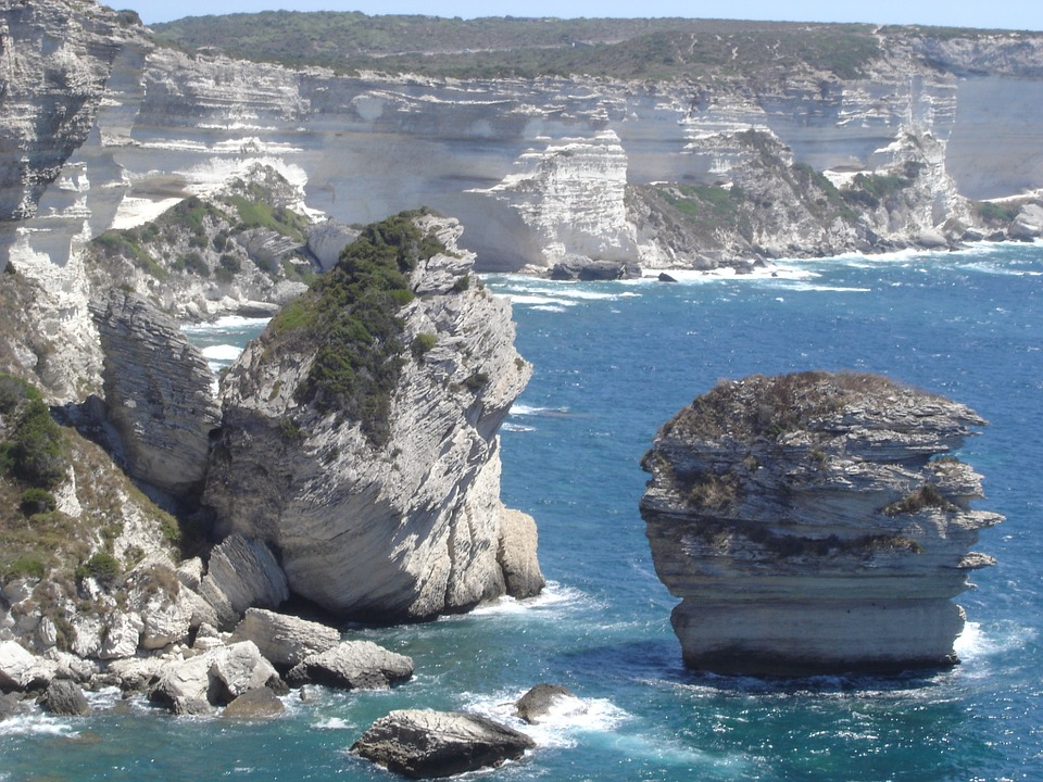 shores of the Strait of Bonifacio.   CREDIT: CC0 PUBLIC DOMAIN, https://pixabay.com/en/bonifacio-strait-of-bonifacio-375828/.