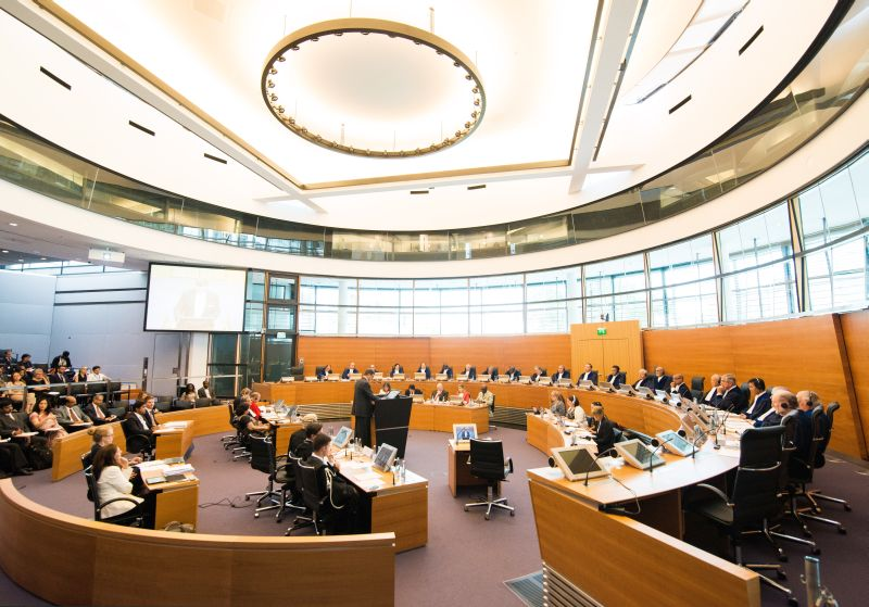 "A Courtroom scene at the opening of the tribunal's most recent hearing (   The ""Enrica Lexie"" Incident (Italy v. India), Provisional Measures   , 10 August 2015).   Credit: Itlos , https://www.itlos.org/cases/list-of-cases/case-no-24/."