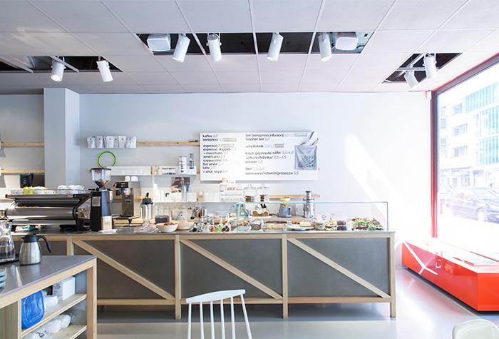cafe-westberlin-friedrichstrasse-berlin-bar.jpg
