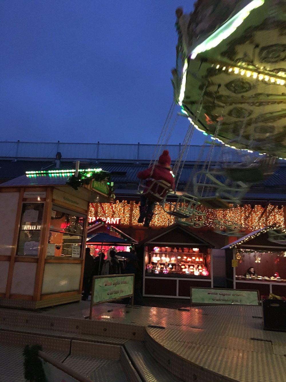 hoiberlin-karussel-weihnachtsmarkt