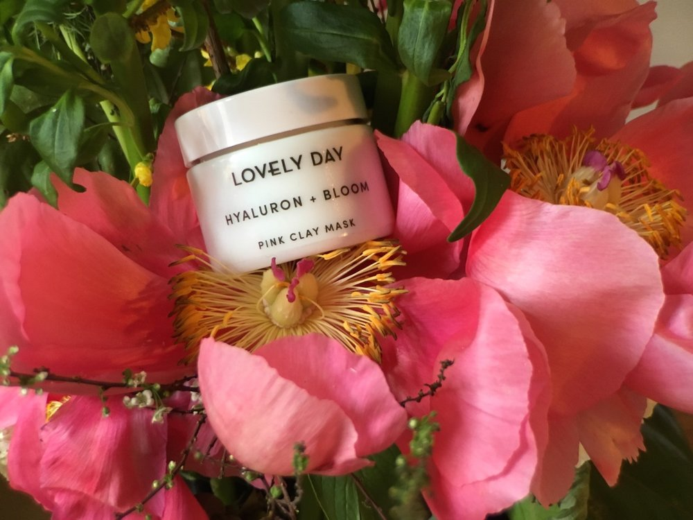 Mit dem Code HEYPRETTY10 bekommt ihr bei Lovely Day Botanicals 10% auf euren Einkauf, ohne Mindestbestellwert und einmal pro Kunde, gültig bis 30. Juni 2017.