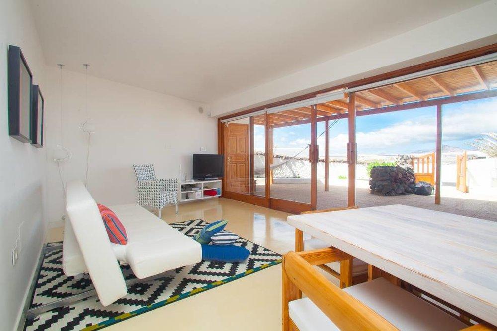 hoiberlin-laspalmas-reisetipp-airbnb-playafamara-1.jpg