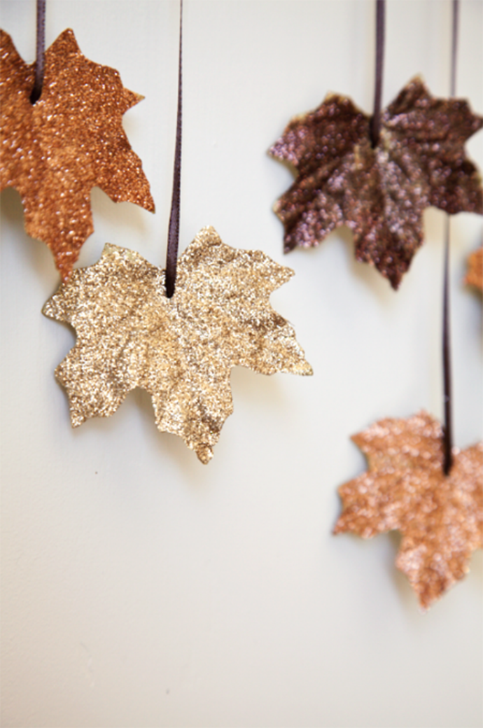boxwood-clippings_diy-falling-leaves-garland_2-e1379949094746.png