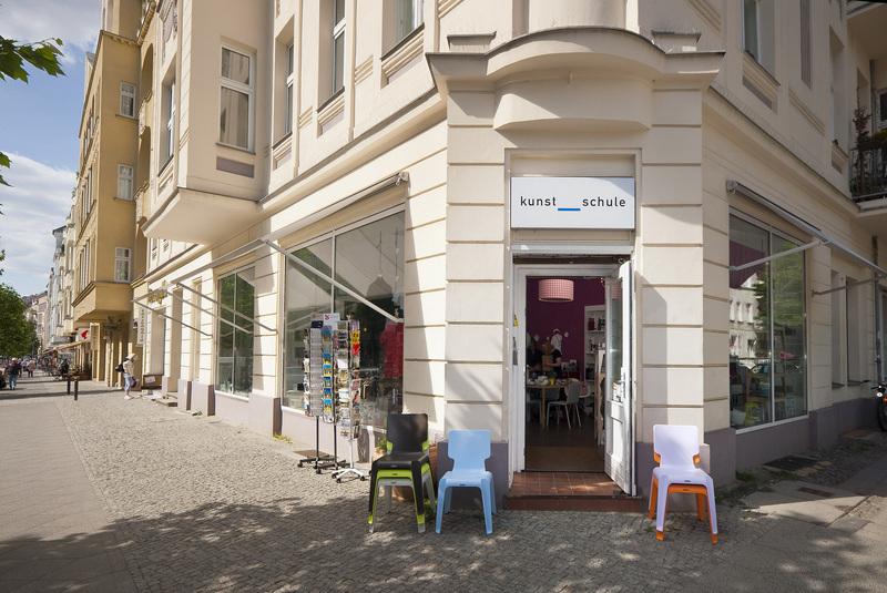 Kunst Schule Berlin , Hufelandstrasse 13 | Montag - Freitag 10:30-19:00, samstag 10:00-16:00 (Foto Credit: Nölken und Nölken Gbr)