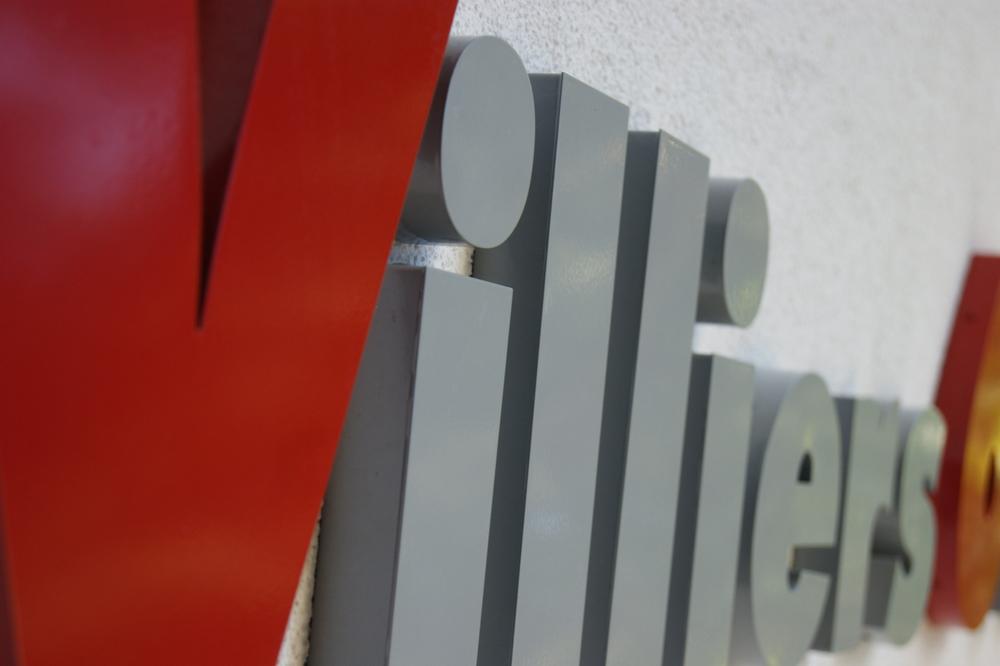 Villiers Sign.jpg