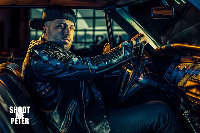 Here's one of my fav @nickyjampr shots that didn't make it into @inkedmag  We shot this at @cccmanhattan in some awesome #rides @famousbtsmagazine  Stylist: @dariusbaptist  Asst: @_harrison_obrien_  2nd asst: @linneahanders @tylerschoeber  #phaseone #nickyjam #nickyjampr #bts #famousbtsmag #famousbtsmagazine