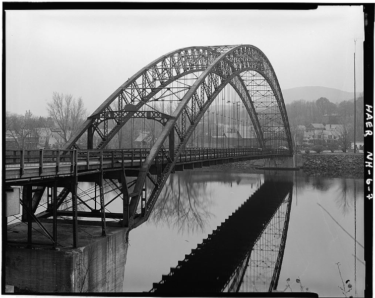 Arch Bridge between Walpole and Bellows Falls, VT. Demolished (not without a fight) in 1982. HAER image, Library of Congress.