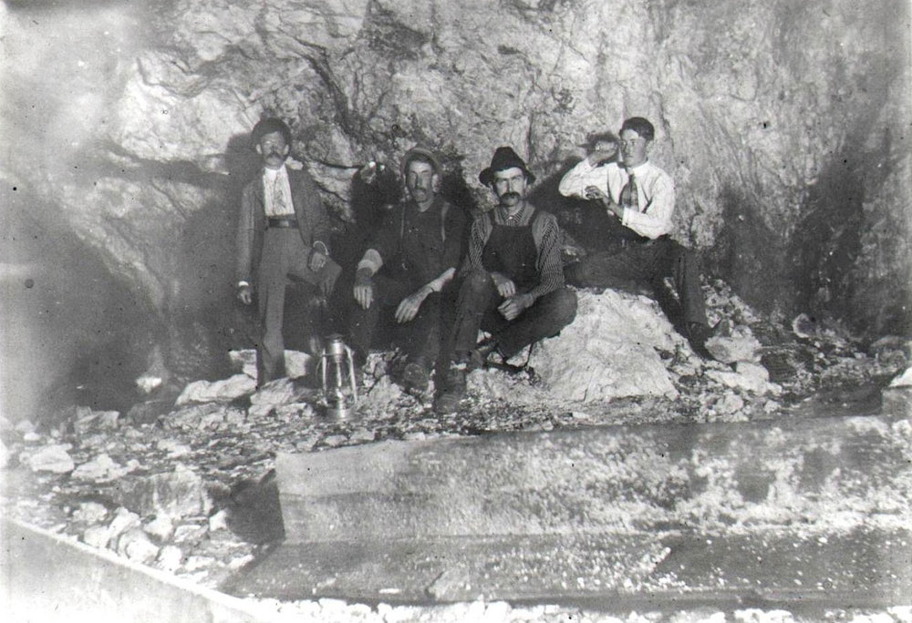1911 crew at Ruggles Mine. Courtesy Grafton Historical Society.