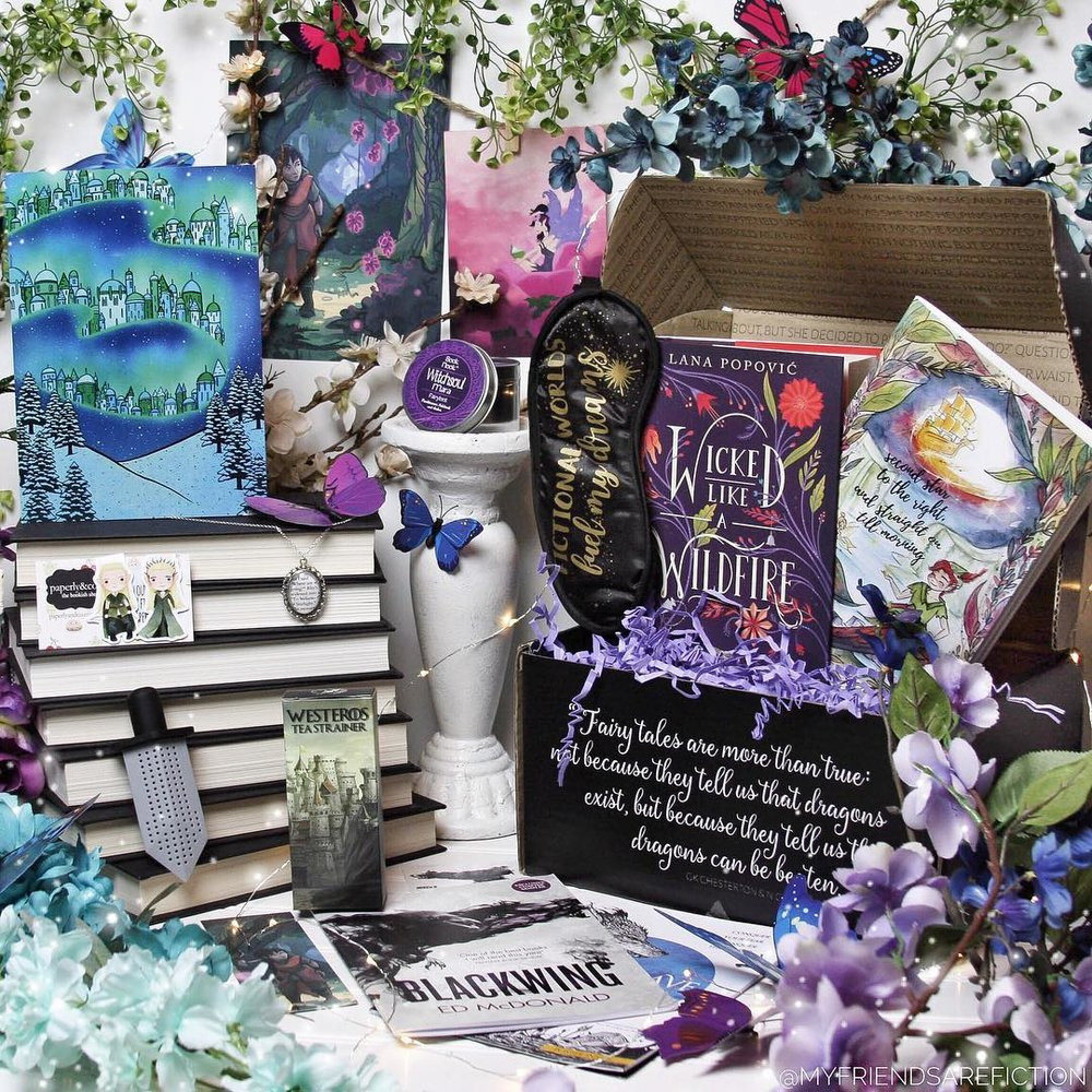 OTHERWORLDS - AUGUST 2017IMAGE BY @MYFRIENDSAREFICTIONWicked Like A Wildfire by Lana PopovićSigned bookplate and author letterExclusive FairyScoop with author interviewExclusive Westeros Tea Strainer (FairyLoot)Exclusive Magnetic Bookmarks (Paperly&Co)Exclusive Fictional Worlds Sleep Mask (Bookworm Boutique)Exclusive Velaris Pendant Necklace (Oh Panda Eyes)Exclusive Peter Pan Notebook (TJ Lubrano)Exclusive Witchsoul Candle (Book and Nook)Exclusive Northern Lights Art Print (Adelayde Art)Bonus items: Godsgrave sampler and Blackwing samplerWATCH CATRIONA'S UNBOXING →