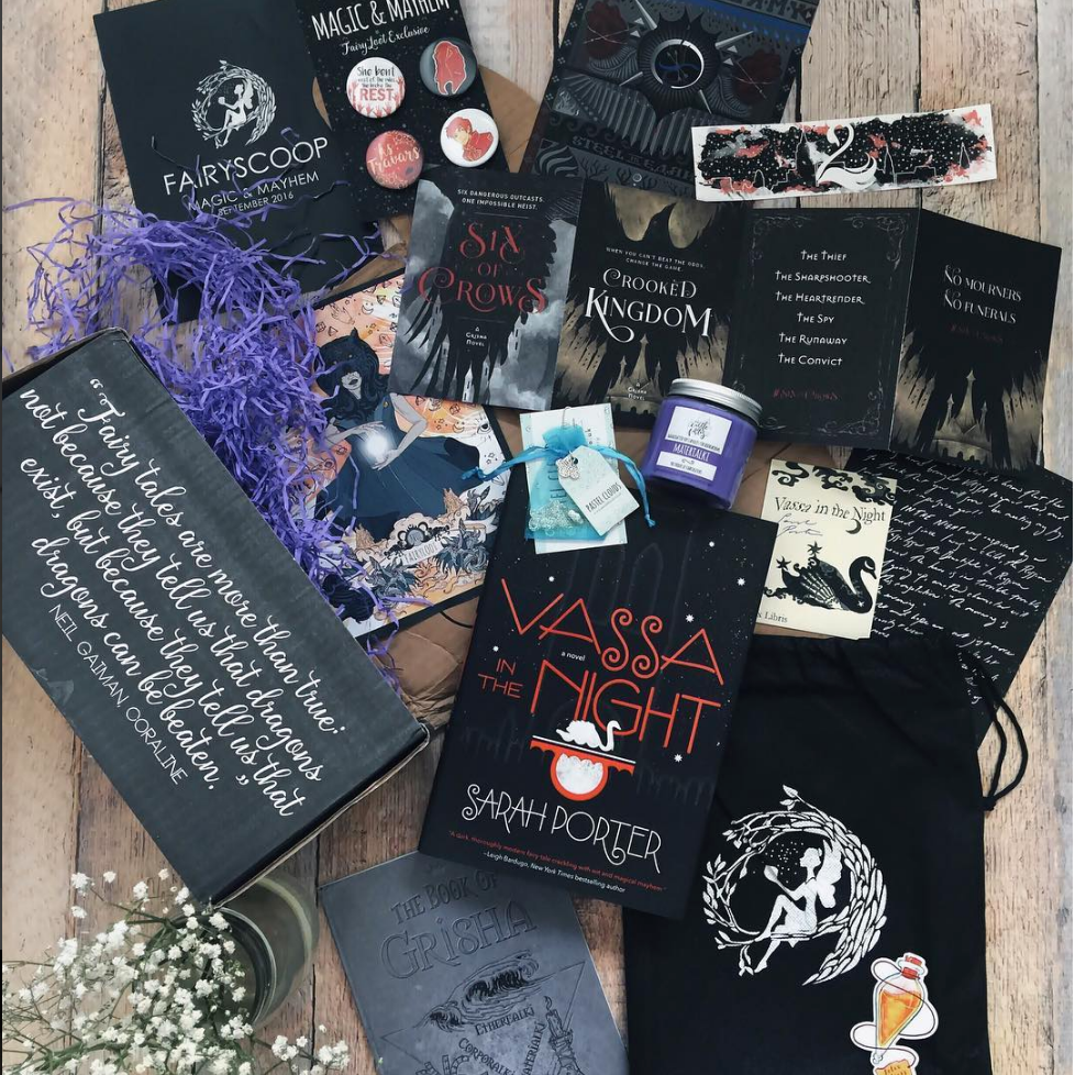 MAGIC & MAYHEM - SEPTEMBER 2016IMAGE BY @_HALFBL00DPRINCESSVassa in the Night by Sarah PorterSigned bookplate, personalised letter,postcardExclusive FairyScoop with author interviewExclusive Grisha Order Candle (Castle of Fables)Grisha Second Army Poster (Goodnight Kittens)Exclusive Felix Felicis Sticker (Bookotter)Exclusive Grisha Notebook (Literary Emporium)Exclusive Vassa in the Night Bookmark (Behind The Pages)Exclusive Shades of Magic Buttons (Bookotter)Exclusive Russian Doll Necklace (Pastel Clouds)Bonus item: Six of Crows/Crooked Kingdom postcardsWATCH PIERA'S UNBOXING VIDEO