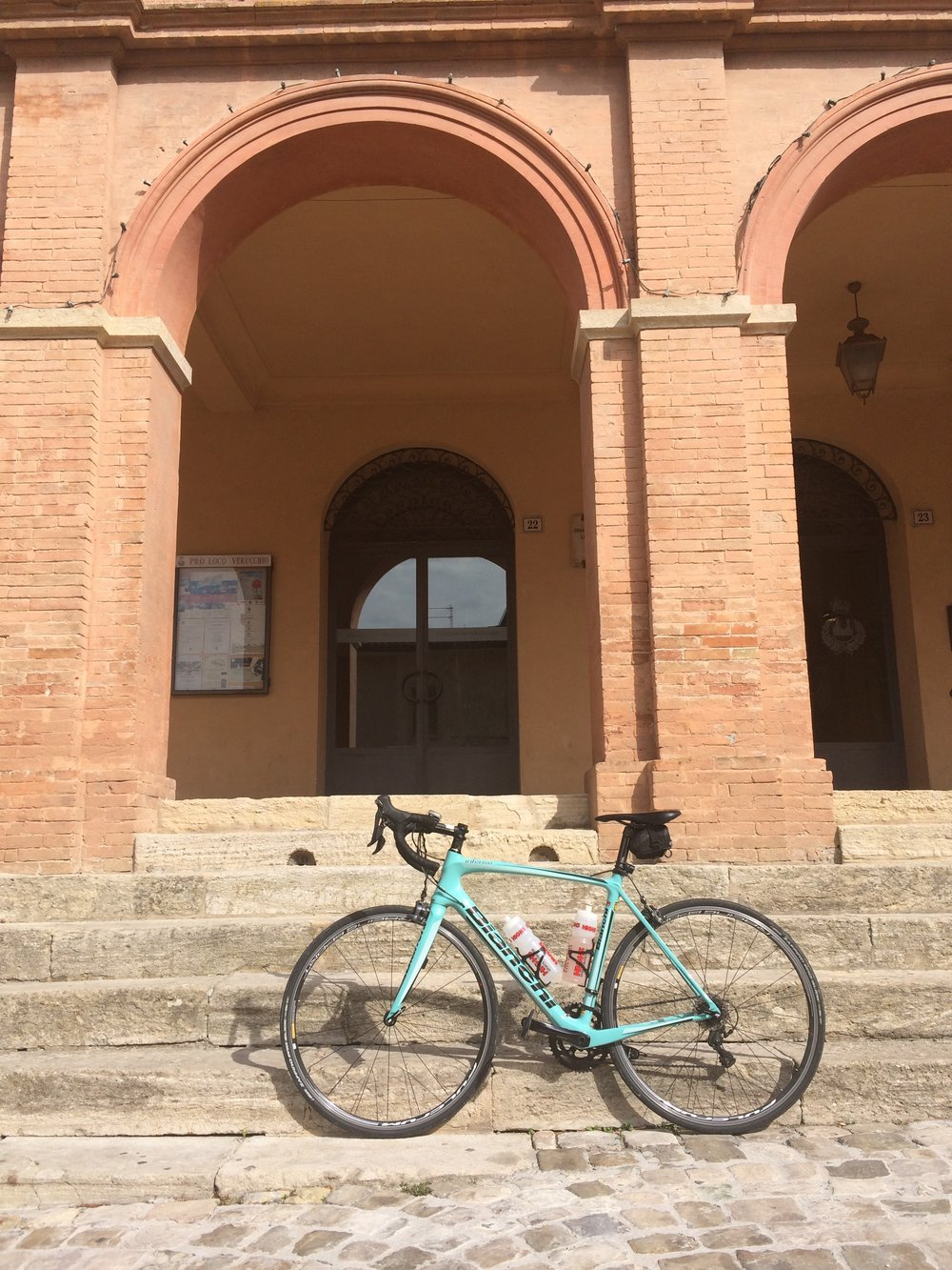My hired Bianchi Intenso Ultegra.  (Photo © 2017 Rob Crane)