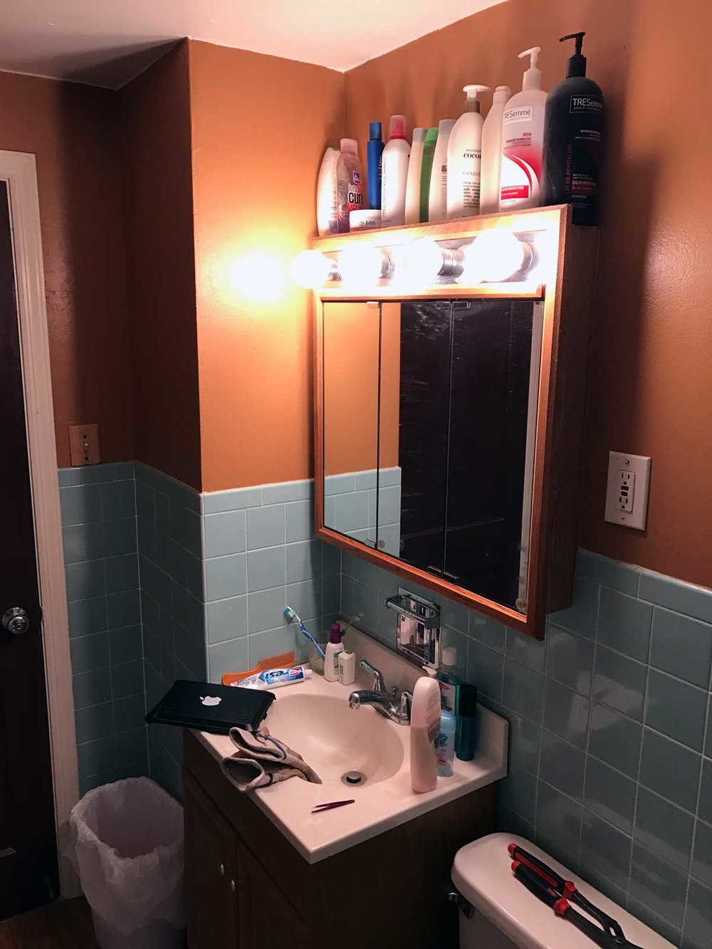 15-Day-Bathroom-Renovation-03.jpg