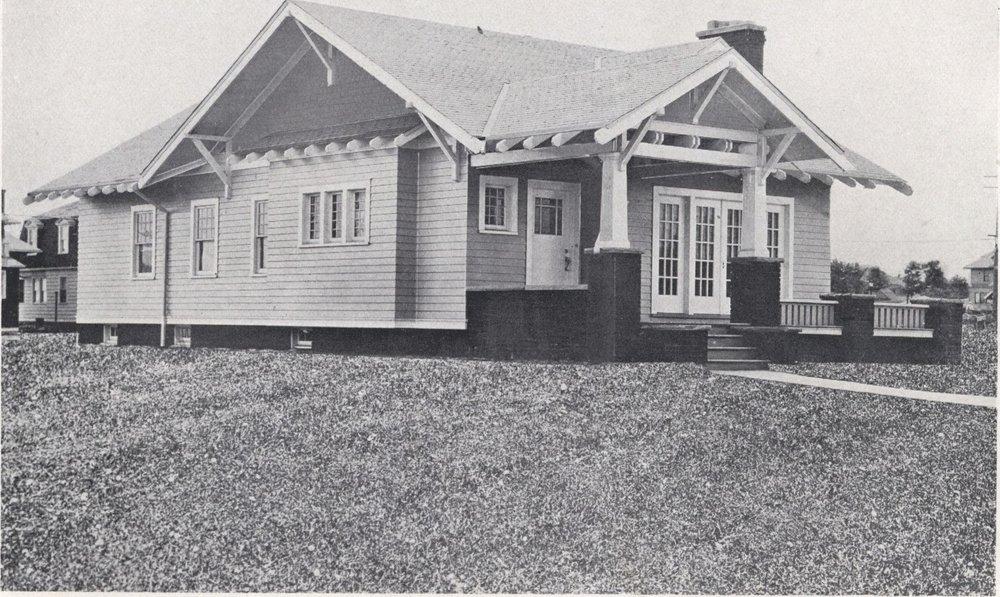 Bennett_better-built,_ready-cut_homes,_catalog_no._21_(1922)_(14794103213).jpg