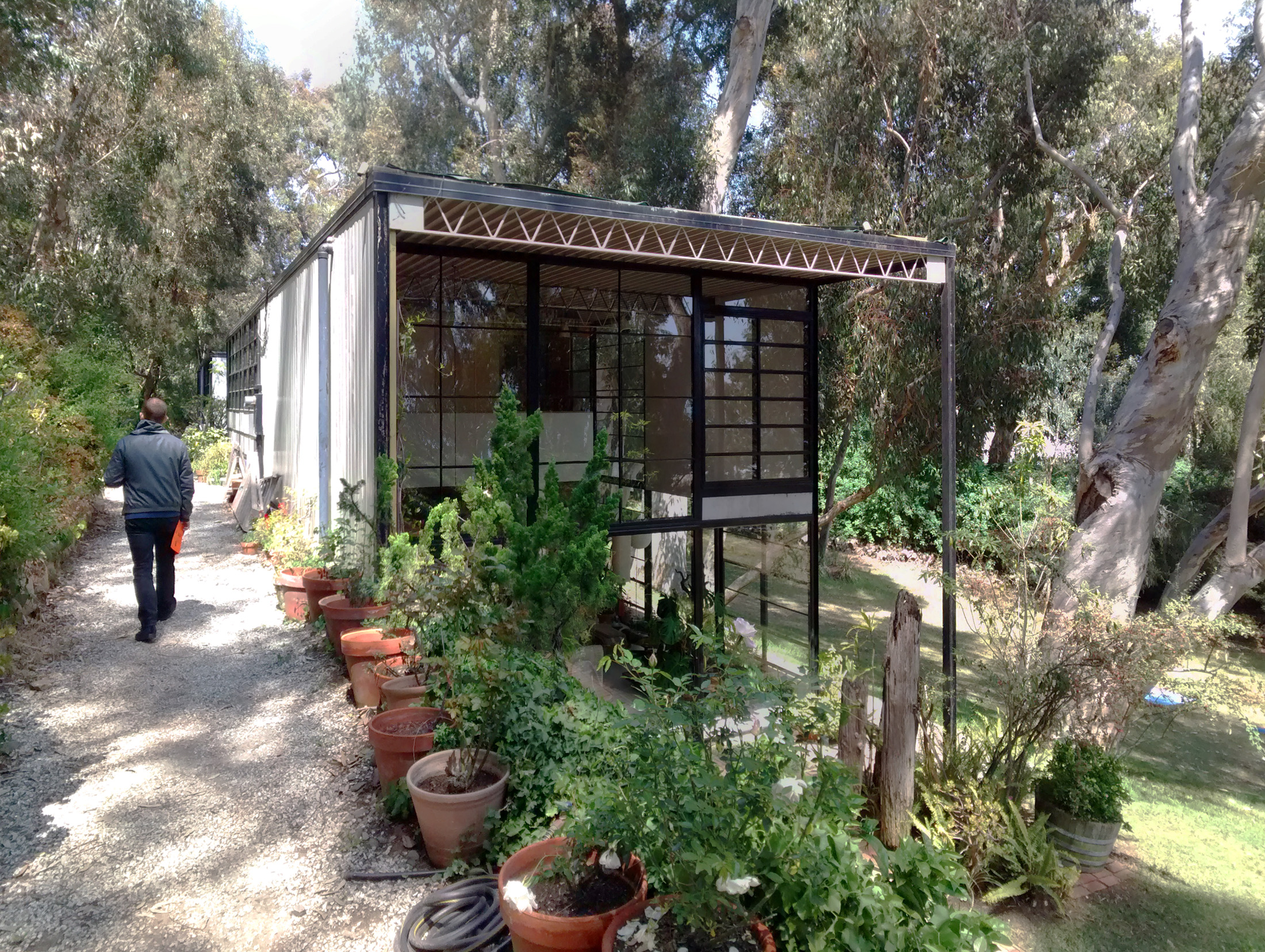 Eames house as a modern kit house