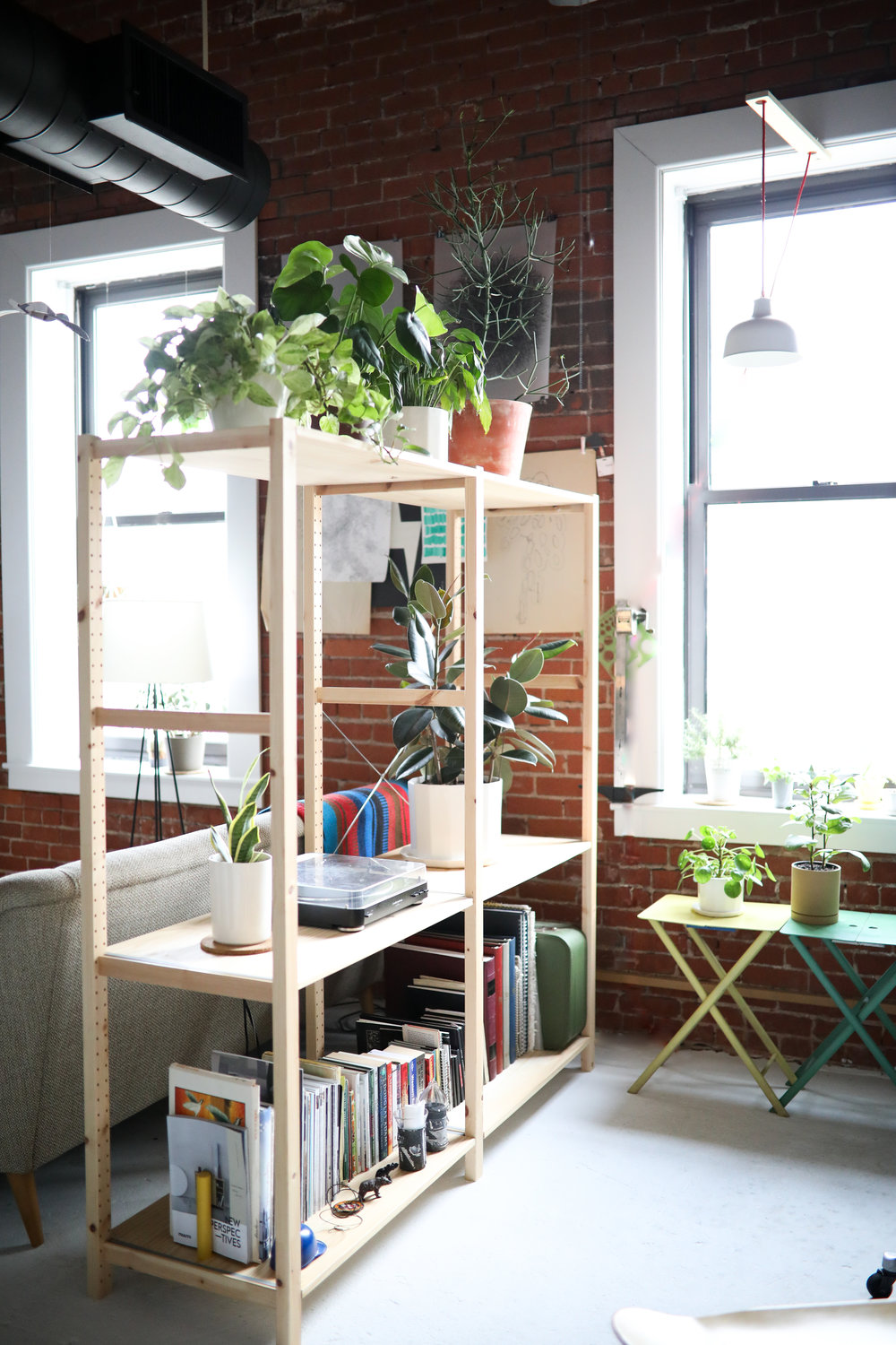 Open Shelving - Middle of apartment