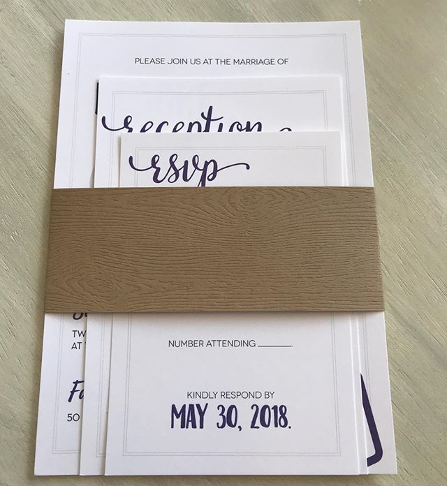Rustic weddings are still a big trend! A wood grain bellyband is the perfect way to tie in a theme without overdoing it. #rustic #woodgrain #wedding #invitation #barnwedding #cleveland #akron