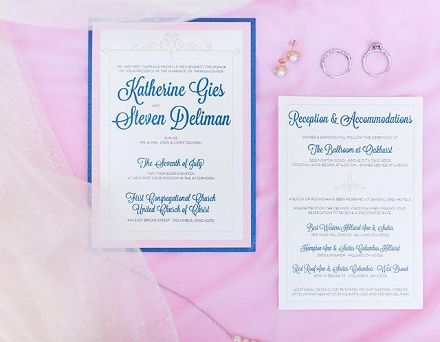 We love when a couple remembers to include their invitation in their day-of photos, it's a great way to remember the beginning of your journey! 📷@Michellejoyphoto #wedding #invitation #pinkandnavy #cleveland #ohio #design #invitationdesign #paper #stationery #summerwedding #akron #columbusohio #columbuswedding