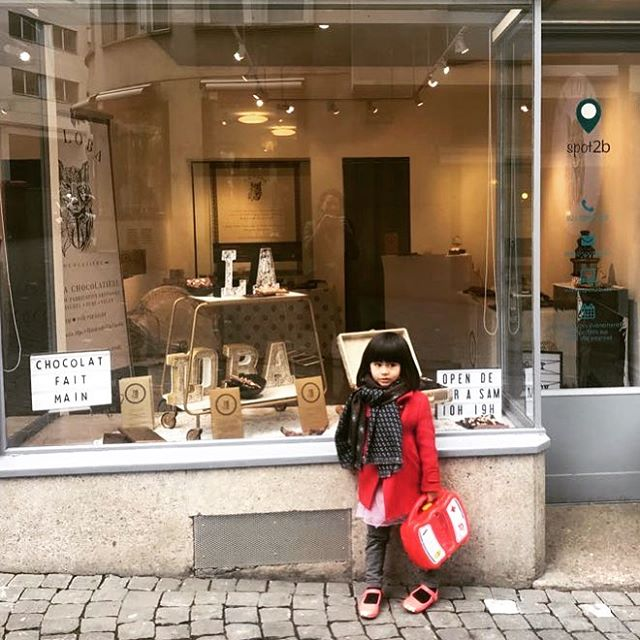Tomorrow the pop-up boutique in Lausanne is ✨OPEN✨ says my adorable niece who just like La Loba has Mexican origins. ♥️ Wednesday-Saturday 10-7pm 🍫See you soon for some Chocolate indulgence 🐺 . . . . #lalobachocolatiere #lausanne #switzerland  #handmade #dairyfree #swisschocolate #100natural  #veganofig #healthyfood #chocolate #chocolatelab #100natural #recipe #dessert #dairyfree #glutenfree #veganofig #foodpic #foodlover #foodstagram #healthyfood #healthylifestyle #healthyeating  #foodie #chocolatelover #shipworldwide #popupshop #spot2be #chocolat #artisanal #veganswitzerland #guiltfreechocolate