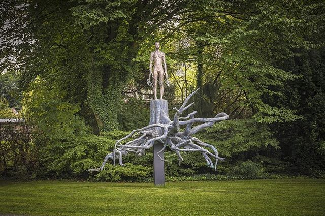 Wanderer Aron Demetz 'Heimat' at Arp Museum Bahnhof Rolandseck 📷: Helmut Reinelt