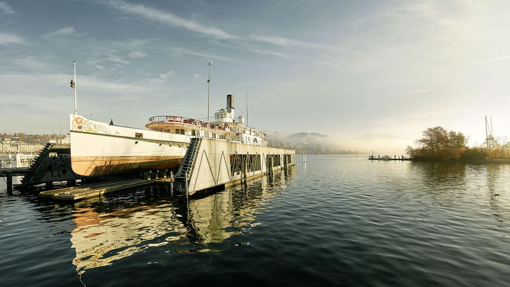 Schiff auf Dock.jpg