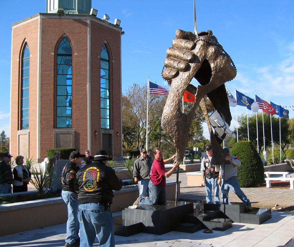 Vietnam Veterans Monument3 (1).jpg