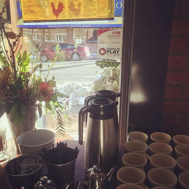 Coffee is hot ☕️ & waiting for you at... @redson4th . . #brunch #yyc #calgary #webebrunchin #coffee #tea #latte #breakfast #cmngdpartner #socent #giveback #supportlocal