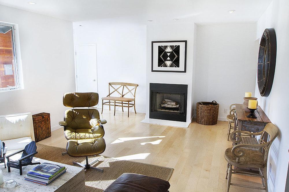 livingroom_fireplace_01.jpg