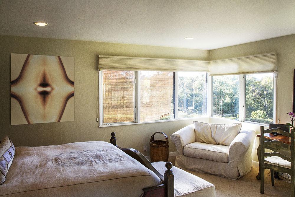 sunny_bedroom.jpg